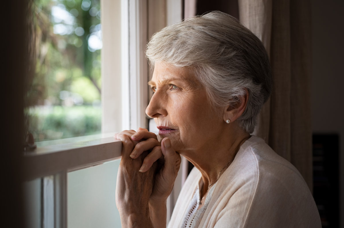 lonely-senior-woman-8DUC9YF-1200x797.jpg